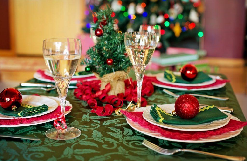 Bon ton natalizio ai tempi del coronavirus, tra buone maniere e sicurezza